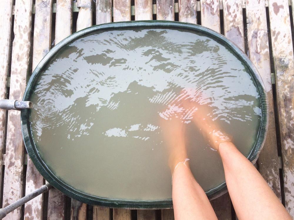むくみ 原因 冷え 解消 足湯